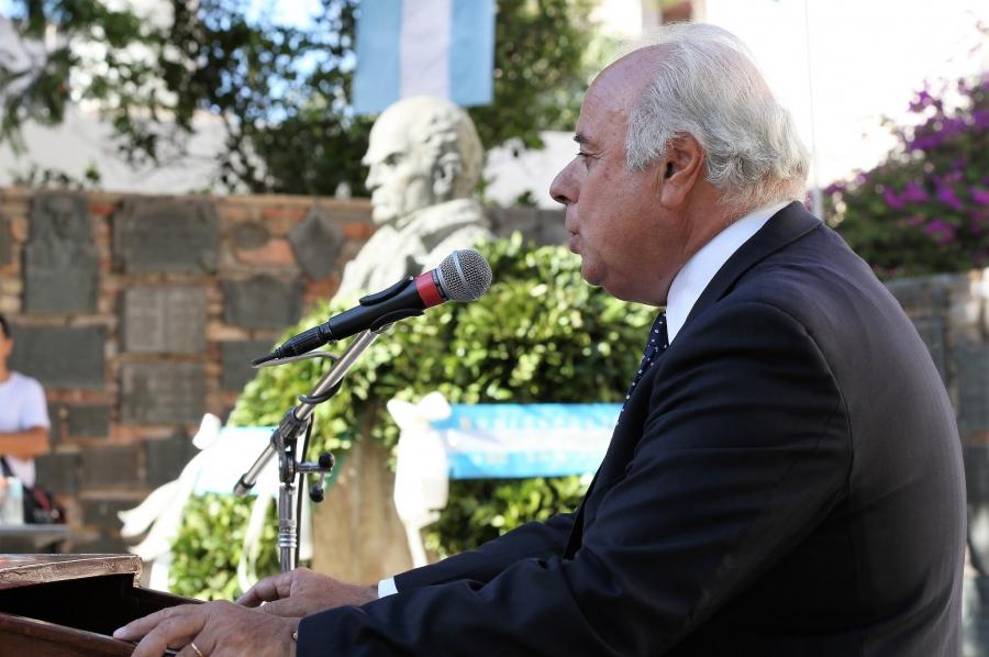 El vicegobernador Marcelo Lima en el acto por el 207º aniversario por el natalicio de Sarmiento.